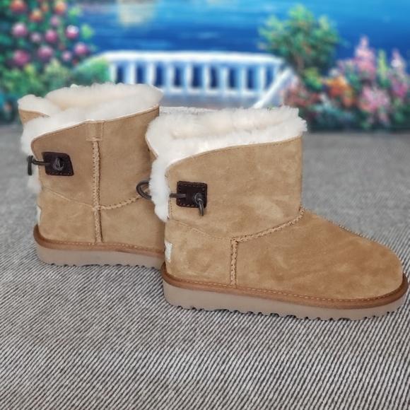 70bd1d43e9f Ugg Boots Kids Size- K13